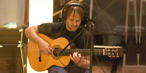 Jose Tarr�as, recording Spanish guitars